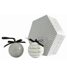 Χριστουγεννιάτικες Μπάλες Λευκές, με Σχέδια και Ευχές σε Κουτί Δώρου - Σετ 7 τεμ. (8cm)